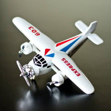 Utasszállító repülőgép - modell 6 színben 14 cm