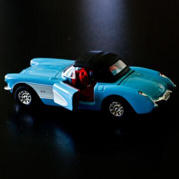 Kék Chevrolet Corvette 1957 modellautó 1:34