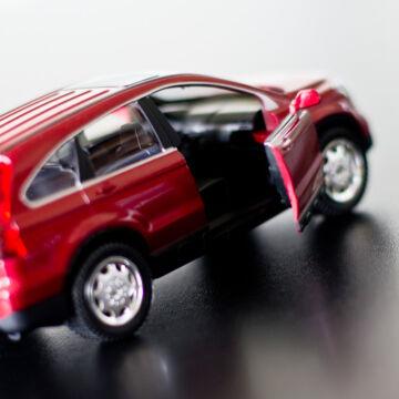 Honda CR-V modellautó 1:30  - fény- és hangjelzéssel