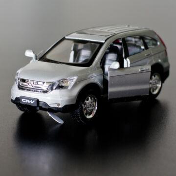 Ezüst Honda CRV modellautó 1:30    fény és hangjelzéssel
