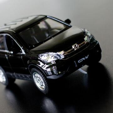 Honda CRV modellautó 1:30   fény és hangjelzéssel