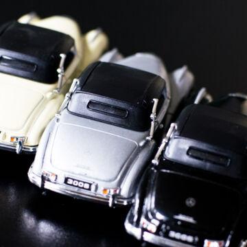 MercedesBenz 300SL  modellautó zárt tetővel 1:34
