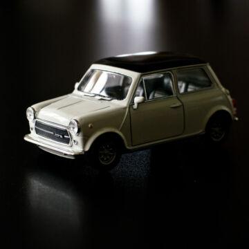Mini Cooper modellautó - fehér 1:38
