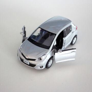 Toyota Yaris 22  Scale Model  jobb kormányos   1:32