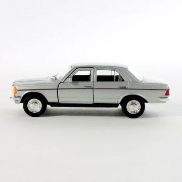 MercedesBenz W123  modellautó