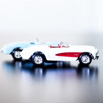 Chevrolet Corvette modellautó szett  2 db 1:60
