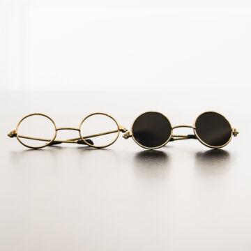Baba szemüveg és napszemüveg párban