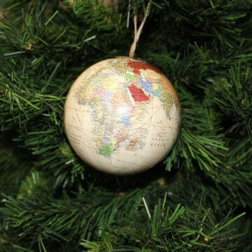 Földgömb mintás gömb akasztható dekoráció 10 cm