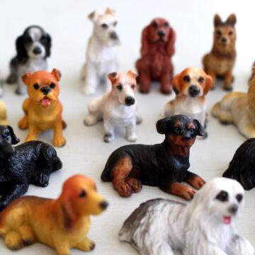 Small different dogs for dollshouse