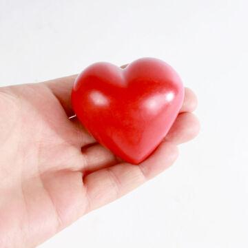 Piros szív zsírkőből