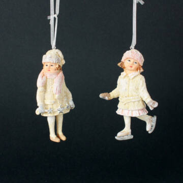 Korcsolyázó lányok - függeszthető dekor
