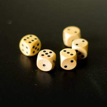 Wooden dice set 5pcs