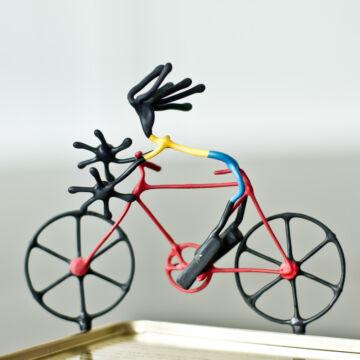 Biciklista  mágneses design drótfigura