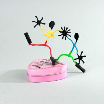 Szerelmespár - mágneses drótfigura