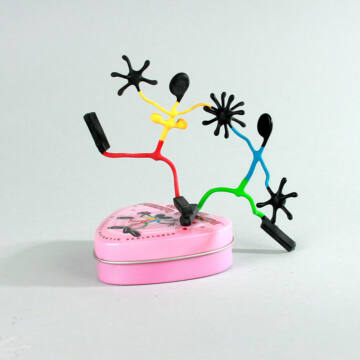 Szerelmespár - mágneses drótfigura - MOST AKCIÓBAN
