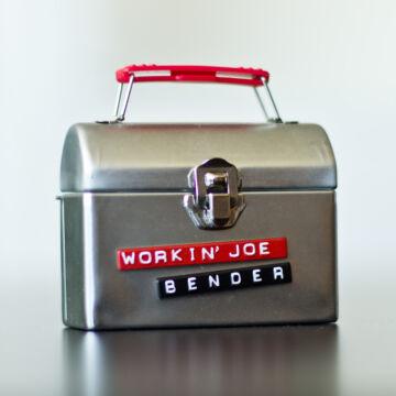 Joe, a munkás  mágneses drótfigura