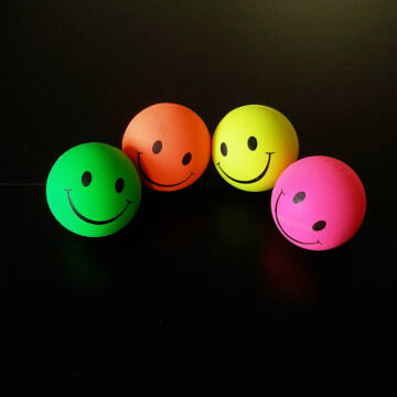 Mosolygós Love Smile gumi labda 6cm