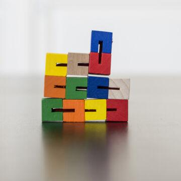 Mini Kockakigyó - alakitható, formálható logikai játék