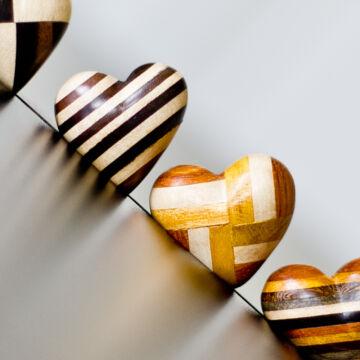 Intarziás szívek  fából 4,8cm
