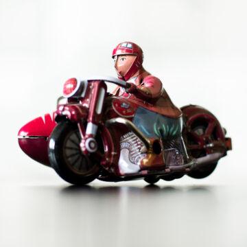 OLDALKOCSIS MOTOR
