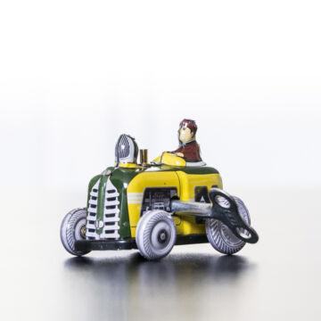 Traktor - miniatűr lemezjáték 6 cm