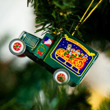 Karácsonyi furgon  függeszthető dekoráció lemezből