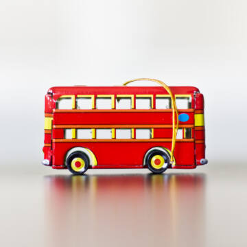 Londonbusz lemezből -  akasztható dekoráció