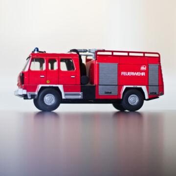 Tűzoltóautó TATRA 818 -  hasonmás -  1:43 lemezjáték
