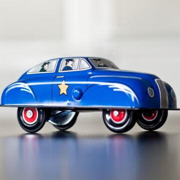 Rendőr autó lemezből