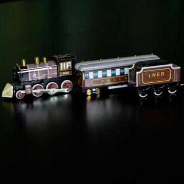 Barna vonat lemezjáték 35 cm