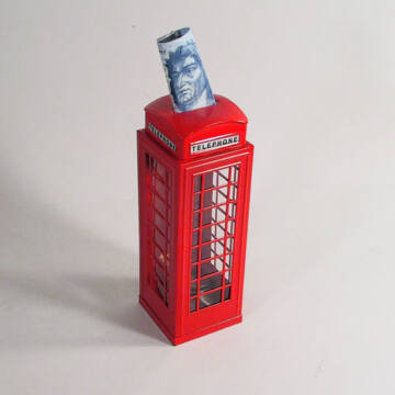 Londoni telefonfülke - persely lemezből