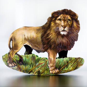 Lion the animal king - swinging card