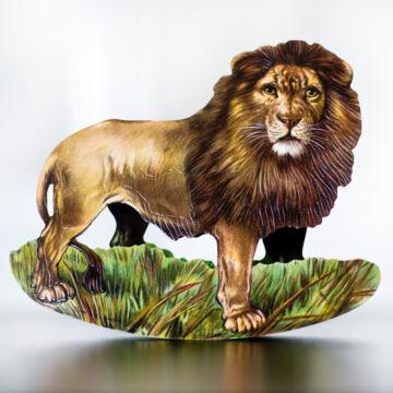 Oroszlán az állatok királya  hintázó figura, borítékkal