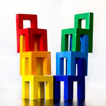 Székek balansz  építő játék