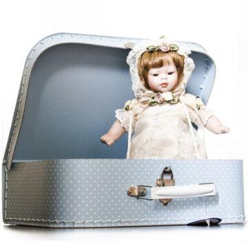 Porcelán CSECSEMŐBABA  bőröndben