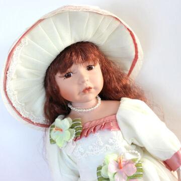 LOLA porcelán baba 44cm