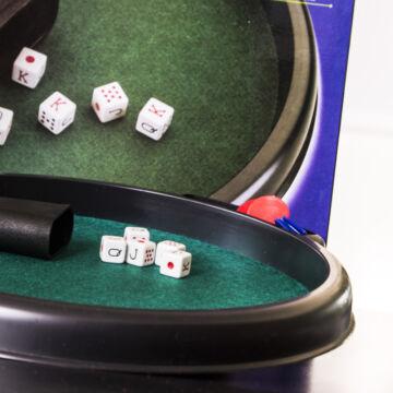 Tálcás kocka póker