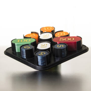 Zsetonkészlet  póker kellék 100 db műanyag dobozban  most akcióban