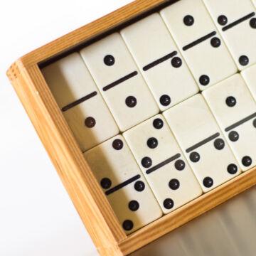 DOMINÓ nagy készlet fa dobozban - 55 elemes