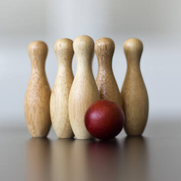 Small wooden bowling set  BOLOS