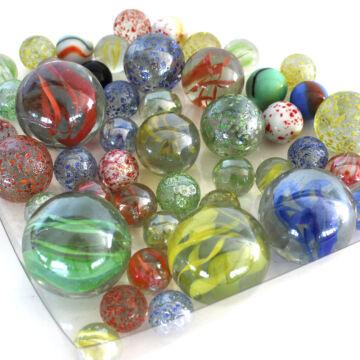 Üveggolyó szett  vegyes színben és méretben 50 db