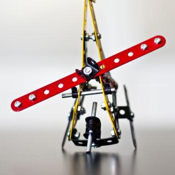 Helikopter - fémépítő