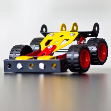Autó - fémépítő