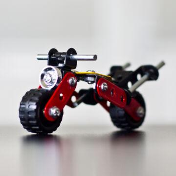 Motorkerékpár - fémépítő szett - piros