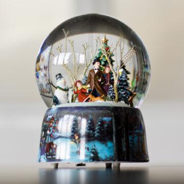 Korcsolyázó család  Exkluzív zenélő vizes gömb ( hógömb )  D=200 mm.