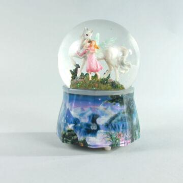 Unikornis és a lány zenélő hógömbben buborékos