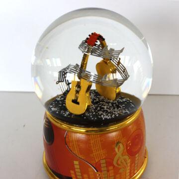 GITÁR hógömbben  zenélő ajándéktárgy  LEÉRTÉKELT