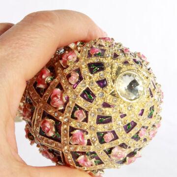 Rózsás Fabergé tojás  zenélő ékszertartó